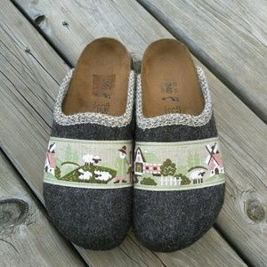 Birkenstock wool embroidered clogs size 37